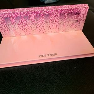Kylie eye shadow palette